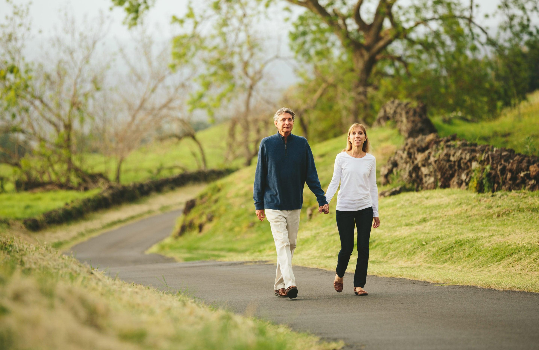 couple walking hand in hand | Beltone hearing